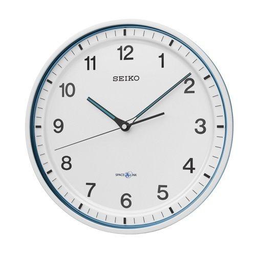 セイコーが、家庭用衛星電波時計『セイコースペースリンクシリーズ』を発表しました。『乾電池駆動による GPS レシーバー一体型のアナログ表示掛時計のジャンル』では世界初の家庭向け衛星電波時計です(セイコー調べ)。 スペースリンクは、原子時計を搭載したGPS 衛星が発信する時刻情報を受信し、現在地の時刻を正確に表示しま...
