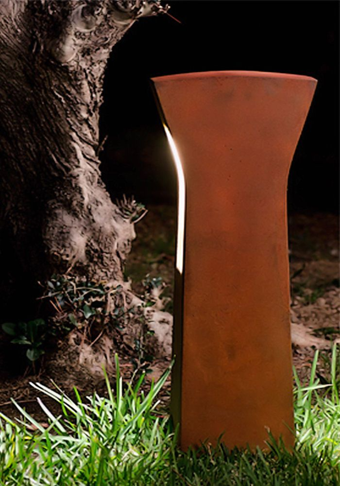 twoway symmetrical bollard light inspired by the original and monumental creations of so - Bollard Lights