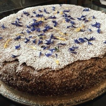 Jesper og mammas sjokoladekake   I dag har min sønn bursdag og da passer det godt å legge ut denne oppskrifen. Han fant en oppskrift...