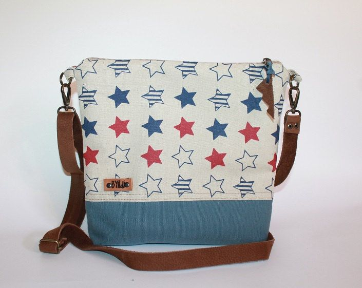 Something America- Cross body bag-Everyday bag- Gift for her-Medium bag-leather strap-US flag symbol-Canvas bag