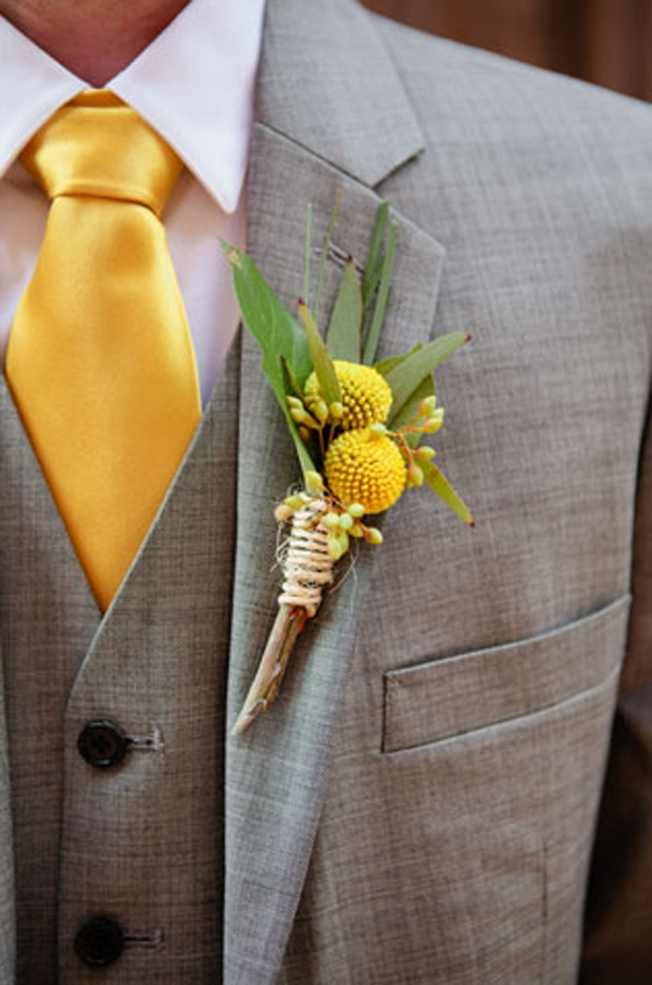 boutonniere #wedding ...maybe with asters too