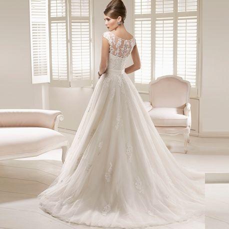 MISS SABRINA&CO.(ミスサブリナウエディング表参道)【上品クラシカルドレス 人気NO.1】荘厳なチャペルで美しさを放つ正統派ドレス|ウエディングドレスを探す|ゼクシィ