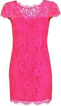 Vestido muy sexy y femenino, color rosa oscuro. Corto recto, con detalles de encaje, perfecto para todas las ocasiones románticas