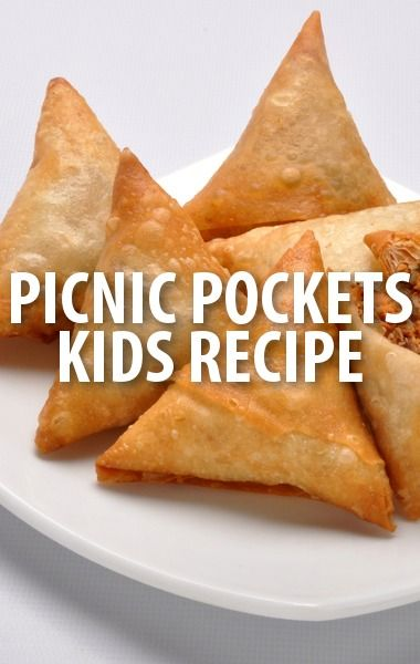 The Chew's kid cook-off winner Meghan Tomko whipped up her special Perfect Picnic Pockets recipe with the help of Michael Symon and guest co-host Yvette Nicole Brown.  http://www.recapo.com/the-chew/the-chew-recipes/chew-meghan-tomko-perfect-picnic-pockets-recipe-kid-cook/