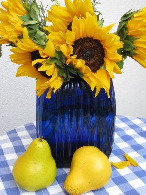 Sunflowers and Gingham: Art Sunflowers, Color Schemes, Sunflower Cottage, Yellow Love Sunflowers, Yellow Blue, Blue Yellow, Color Combinations, Sunflowers Love Blue