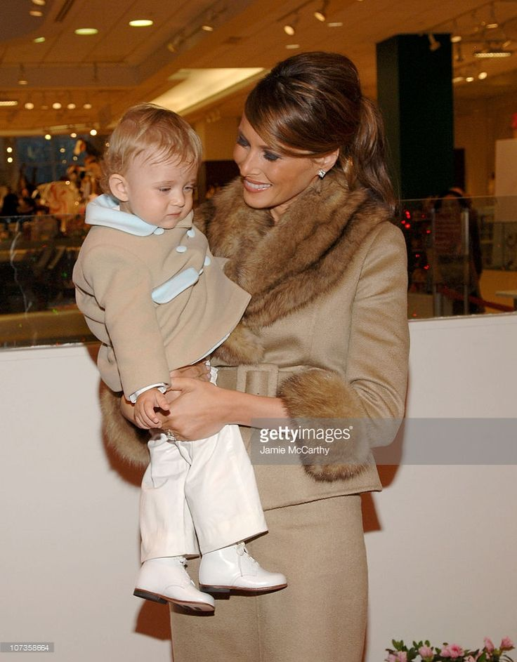 melania-trump-and-baby-barron-trump-during-the-associates-committee-picture-id107358664 (799×1024)