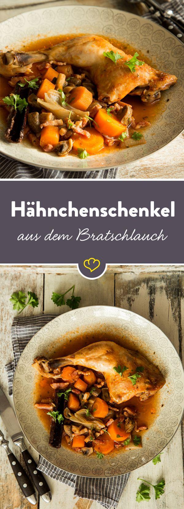 Wie zarte Hähnchenschenkel besonders saftig werden? Im Ofen und dem altbekannten Bratschlauch natürlich. Zusammen mit viel buntem Gemüse und würzigenr Sauce.