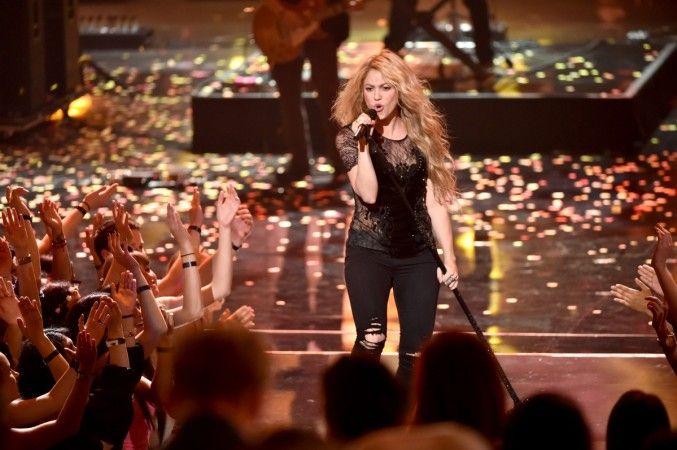 2018 Theme Song Mp3 Download Shakira Curls For Long Hair Shakira Photos