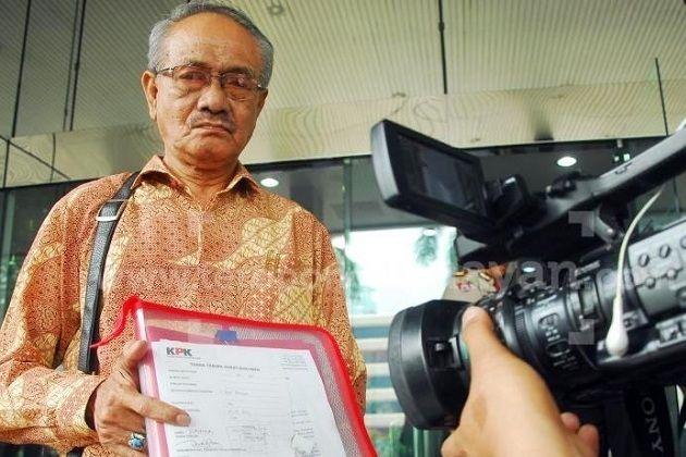 "Amir Hamzah : ""Harga Diri Megawati Hancur, Sangat memalukan!"""