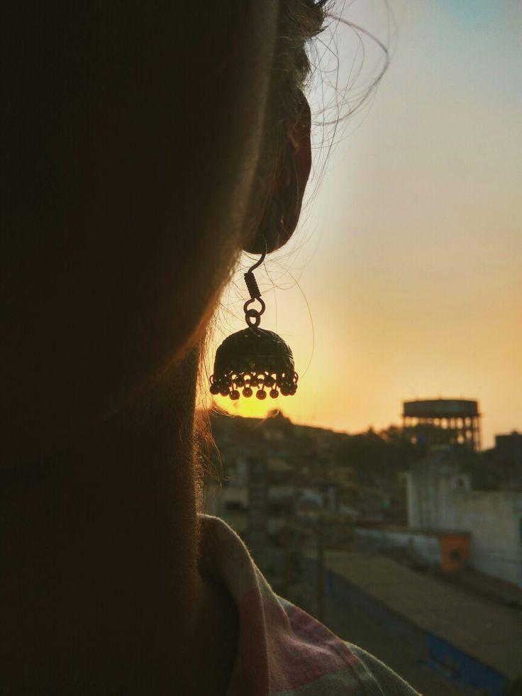 sunsets and jhumkas