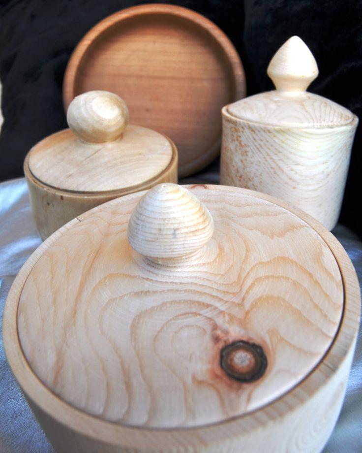 Scatole in legno di cirmolo realizzate a mano con il torinio