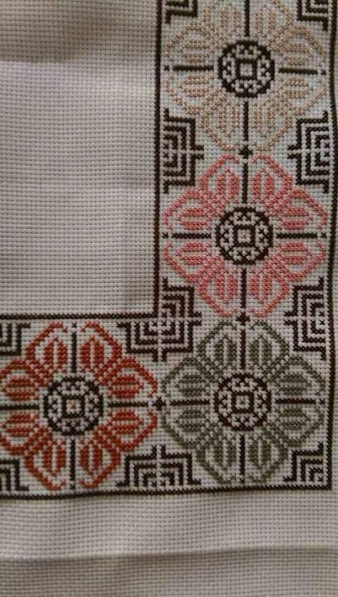 vintage linen embroidered tabl
