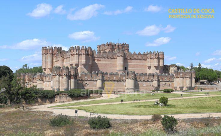 Castillo de Coca, provincia de Segovia. Una muestra extraordinaria de la arquitectura gótico - mudéjar http://arteviajero.com/