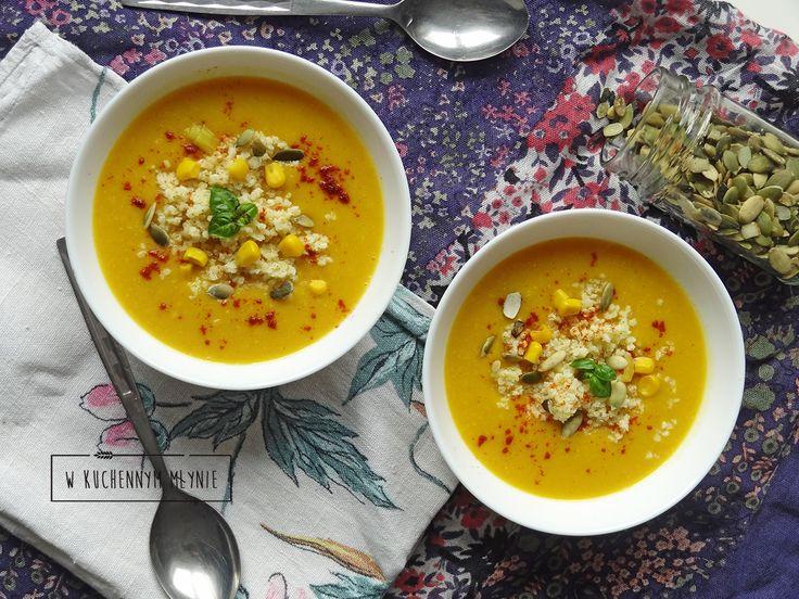 Zupa krem z kukurydzy podana z kaszą jaglaną