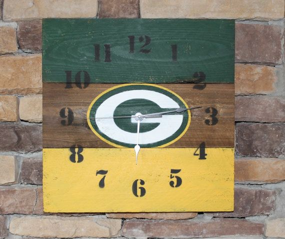 Rustic wood clock  Green Bay Packers colors by HendryxHouseDesigns, $30.00