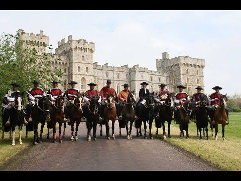 Palmas de Peñaflor se Presenta Ante la Reina Isabel II de Inglaterra en Windsor   Identidad y Futuro