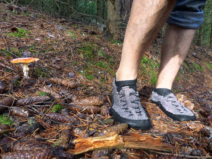 Your bare feet are much stronger than you think! Enjoy relaxing protection, natural extremes and find your limits … http://bit.ly/2pJ5aSJ The #paleos #chainmailshoes by #gostbarefoots #naturelovers #lovethewoods #watersports #barefootrunning #barefootshoes #barfußlaufen #barfußschuhe #perception #safety #outdoor #lifestyle #fun