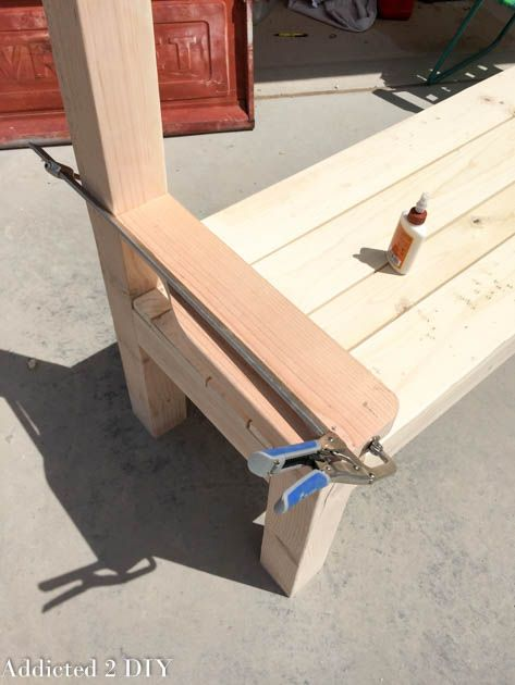 This tailgate bench tutorial is so easy to follow and can easily be built in just a few hours! It's a perfect gift idea for Father's Day!