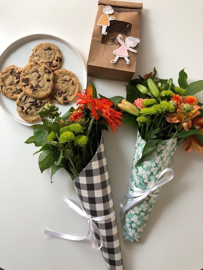 How To Gift Wrap Fresh Flowers With Scrapbook Paper Handmade