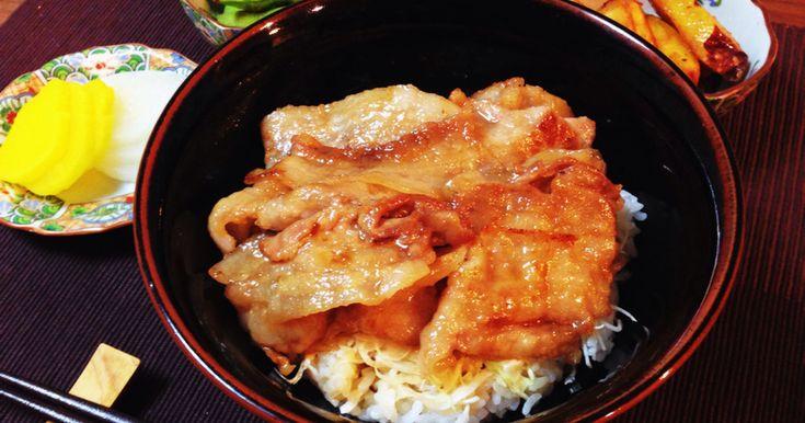 ☆話題入り ☆「豚バラ丼」人気検索1位  カリッと焼いた豚バラにタレがしみて美味しい♡キャベツと一緒にどうぞ♪お弁当に♬