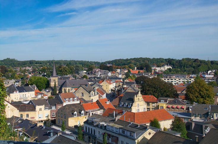 Valkenburg: het mergelstadje met haar rijke toeristische traditie http://grensheuvel.blogspot.com/2016/10/valkenburg.html?utm_source=rss&utm_medium=Sendible&utm_campaign=RSS