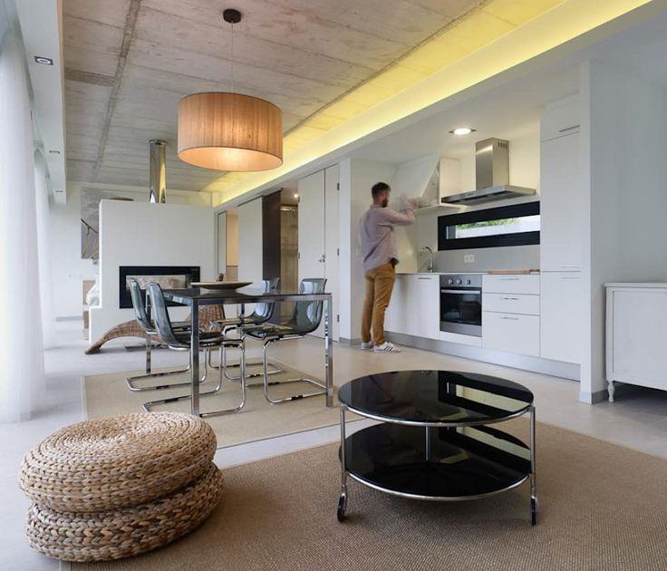 minimalistische Eetkamer door Nan Arquitectos