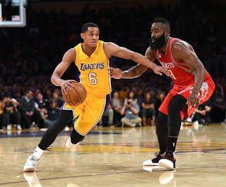 Blog Esportivo do Suíço:  Na raça e na juventude, Lakers batem Rockets e estreiam com o pé direito