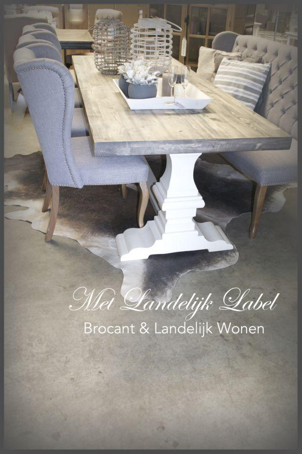 Stoere kloostertafel bij Met Landelijk Label in Borne. Bekijk onze webshop of kom langs in onze sfeervolle woonwinkel in Borne!