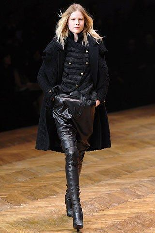 Givenchy Fall 2007 Ready to Wear Collection Photos   Vogue