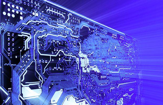 Computer Hardware   Im Gehäuse eines Computer sind diverse unterschiedliche elektromagnetische Strahlungsquellen enthalten. Durch das Motherboard mit Prozessoren und Speichermodulen, Grafik- und Soundkarten, DVD-Laufwerke, Festplatten, Netzteile, CPU-Kühler und viele anderen Komponenten wird elektromagnetische Strahlung erzeugt. Weitere zusätzliche Strahlungsquellen sind Funkmäuse, Funktastaturen, Monitore, kabellose Lautsprecher und Kopfhörer. #PC www.earthangel-family.de