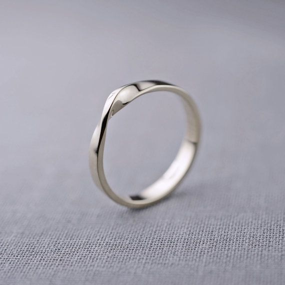Mobius Ring 14K Weissgold 14K Weißgold Ehering von LilyEmmeJewelry