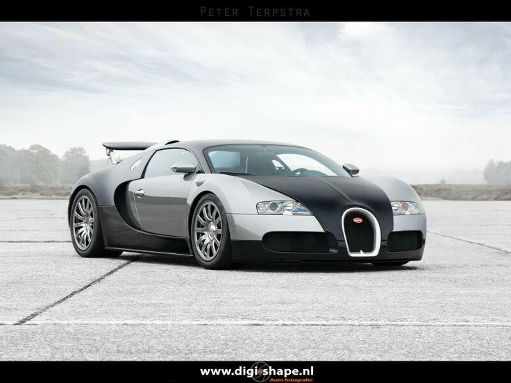 Bugatti Veyron,  shot in October 2012.