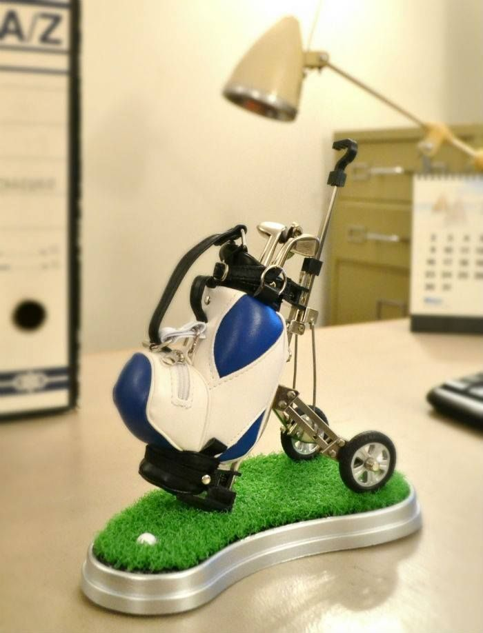 Carrito de golf con bolis