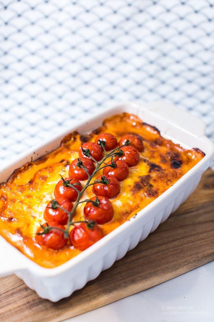 Jag hittade ett gammalt recept i Året Runt som jag blev inspirerad av och bestämde mig för attha som grund för mitt eget recept. Istället för ris i botten så hade jag blomkålsris. Det blev väldigt gott! En riktig fredagsrätt eller bjudrätt! Jag ogillar generellt bitar av soltorkade tomater så jag använder creme istället (Röd […]