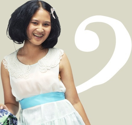 Kanya. She can sing ballad jazz. Her voice is so jazzy. She's beautiful too.. So, every boy love her :))