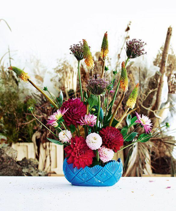 Il bouquet di dalie realizzato da Frank Bruggeman per Living /// Dalia bouquet made by Frank Buggerman for Living | foto René van der Hulst