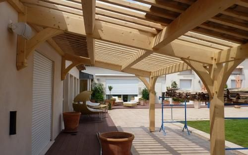 auvents pergolas bois appentis image 5 charpente pinterest pergolas. Black Bedroom Furniture Sets. Home Design Ideas