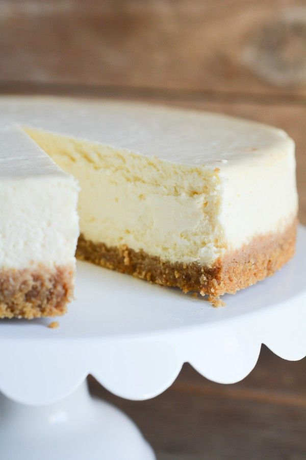 Cheesecake tips!  No crack, no soggy bottom, not too creamy, not too crumbly!   Lemon Sugar | No-Crack Cheesecake | http://lemon-sugar.com