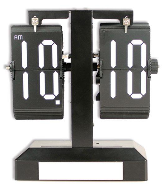 Delta Özel Masa Saati Modeli  Ürün Bilgisi ;  Plastik ve metal parçalardan tasarlanmıştır. Ebatı : 20 cm x 18,5 cm x 9 cm Sessiz çalışır Zaman geçtikçe yaprak atar Özel bir masa saatidir.