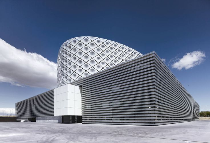 Built by Rafael De La-Hoz in Móstoles, Spain Our recent hospitals, as health systems, effectively serve the citizens, but it takes place in a dramatic architectur...