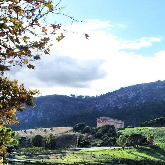 Tempio di Segesta, Sicilia Segesta's temple, Sicily #motoavventure www.motoavventure.it