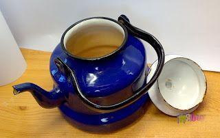 Csak nézz rá!: A nagymama zománcozott teáskannája, kék színű ritk...