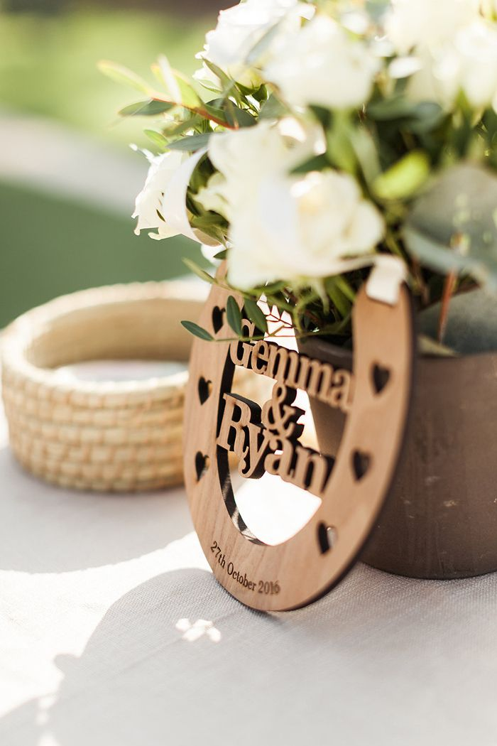 Laser Cut Horseshoe Wedding Details #destinationwedding #dubai #internationalwedding #weddingday #weddingideas #weddingdetails #lasercut