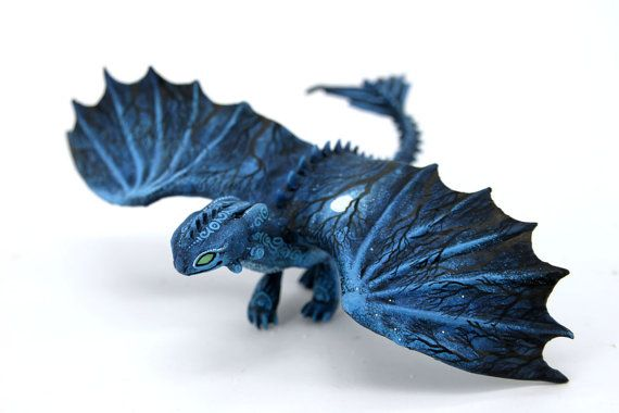 Moon Wanderer Toothless Night Fury Dragon Sculpture httyd figurine How to train your dragon fantasy animal creature