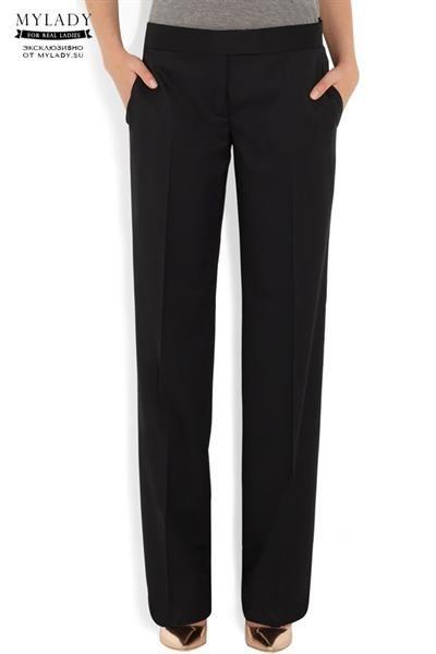 Также женские брюки классического кроя и