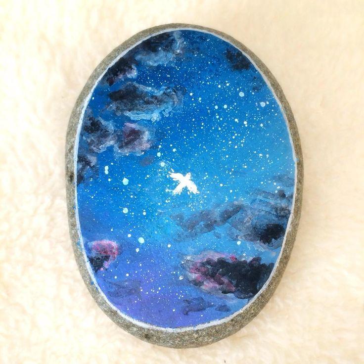 Stone painting - Romantic Voyage - #星空 #夜空 #星景 #空 #旅 #石 #小石 #石ころ #石ころアート #ストーンアート #絵 #絵画 #イラスト #アート #アクリル画 #アクリル絵の具 #アクリルガッシュ #ペイント #ハンドメイド #voyage #nightsky #stars #starrynight #starrysky #painting #acrylicpainting #stoneart #stonepainting #paintedstone #rockart