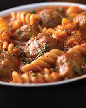 ¡Queda buenísimo! Un plato fuerte que combina carne y pasta, pues tiene albóndigas al chipotle y fusilli.¿Qué esperas para probar …
