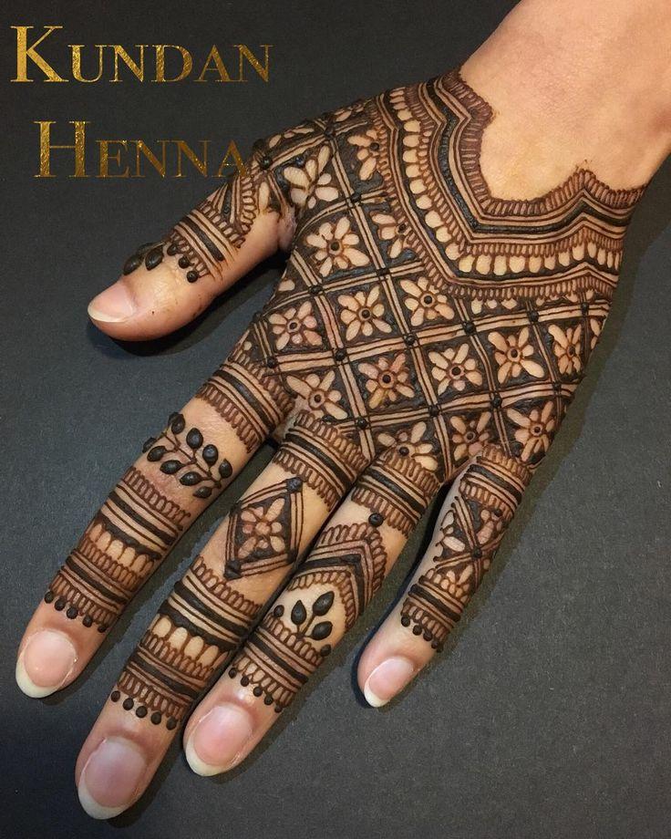 Full @hennackg design re-creation Fits like a glove Im absolutely obsessed with this! . . . #YEG #YEGart #YEGhenna #YEGMehndi #Edmonton #7enna #Mehendiart #hennaart #hennatattoo #hennaartist #mehndidesigns #yegevents #mehndi #yychenna #heena #Bridalhenna #Mehendi #henna #mehndiart #Indianbride #mandala #edmontonmehndi #edmontonhenna #yegbride #780 #wedding #instasize #punjabi #desi #yoga @hennalookbookin @pakistanibride @indianweddingbuzz @hennahouse_sk @hennainspire @inspirationalhenna…
