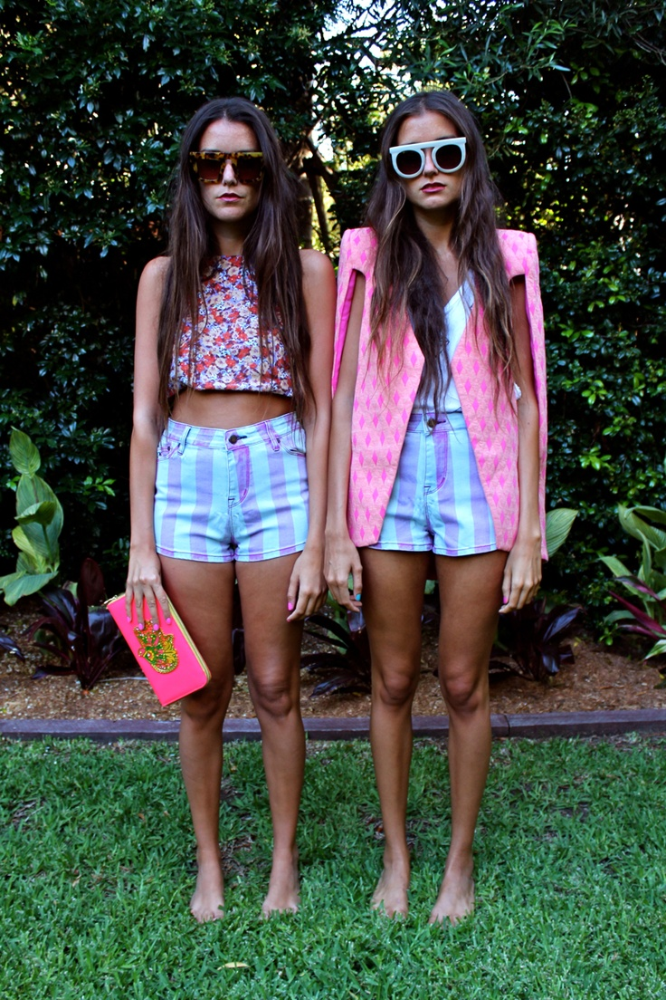 How Two Live sisters always dress to impress in such vibrant prints