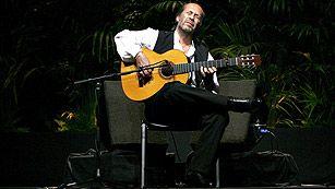 Ver vídeo  'Muere Paco de Lucía, maestro de los guitarristas flamencos, a los 66 años'